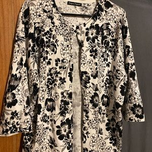Floral Cardigan, 2x, 3/4 length sleeves.